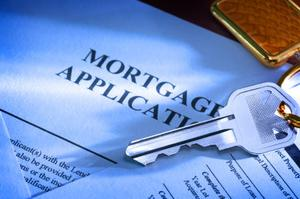 choosing-the-right-mortgage1---key-and-application.s300x300